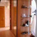 шкаф-перегородка с угловой полкой