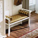 скамейка в классическом стиле