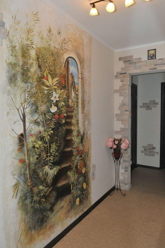 цветы на стене прихожей