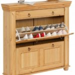 Большой деревянный шкаф для обуви в прихожую.