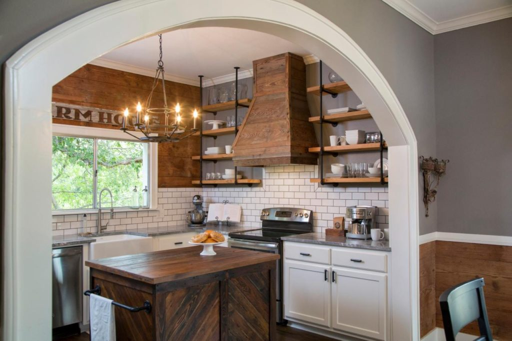 широкая арка в кухню