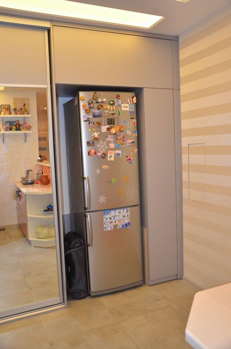 Холодильник встроенный в шкаф-купе