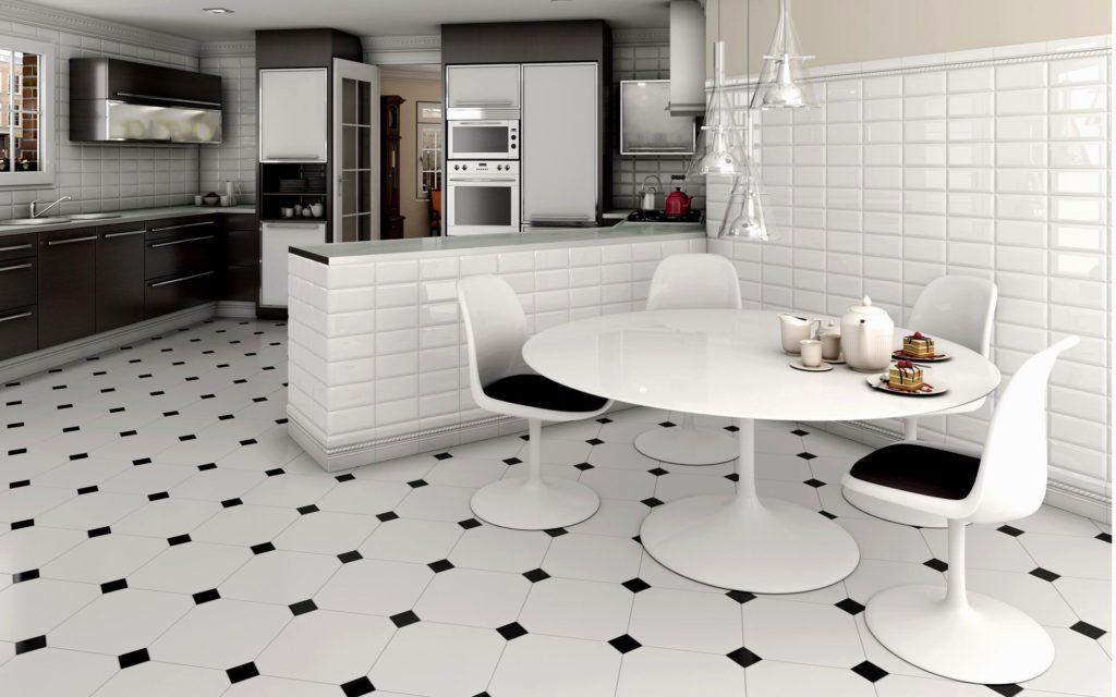 белая кухня с керамикой на полу