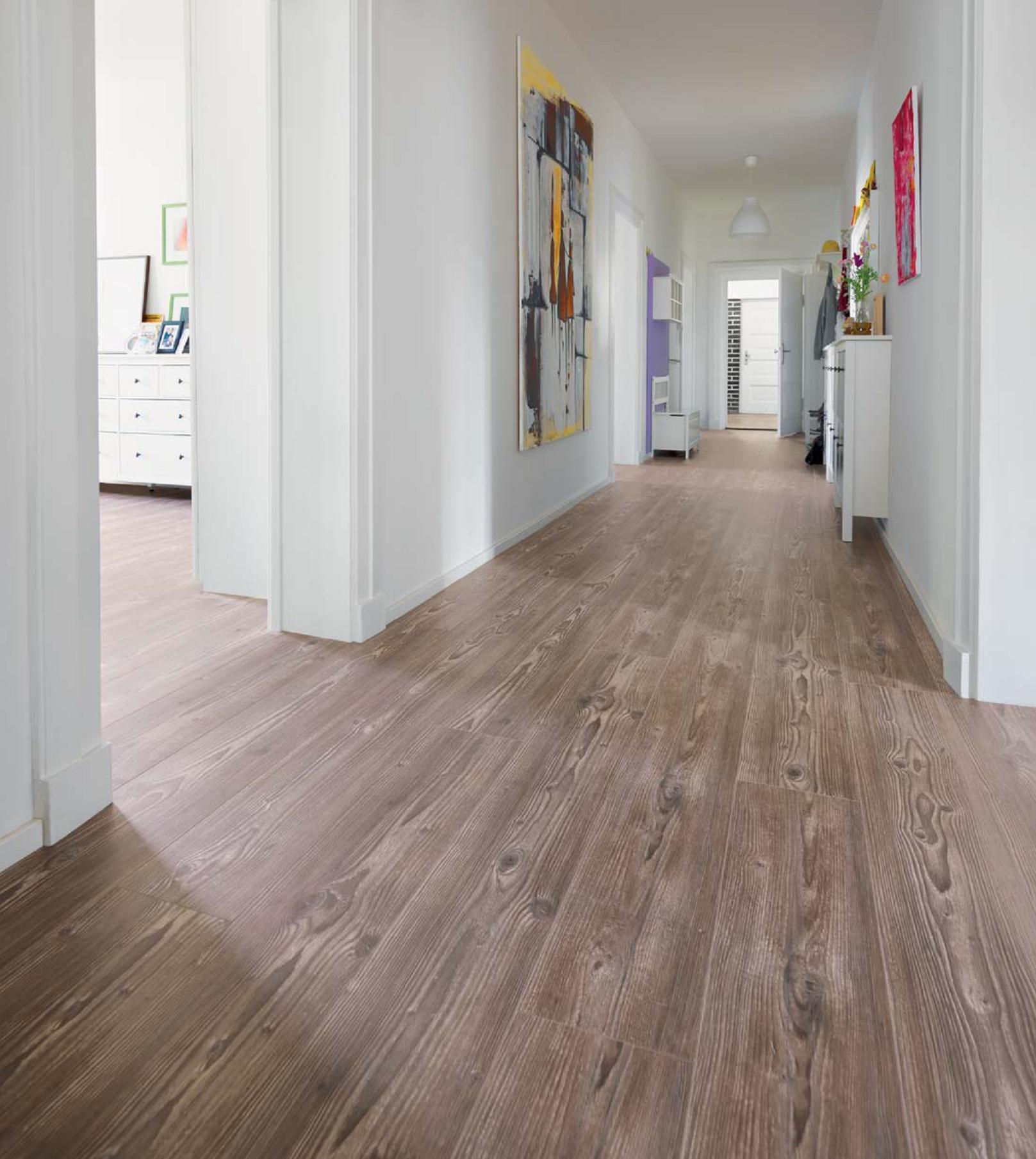 линолеум в узком коридоре современного типа