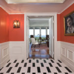 необычная плитка в коридоре