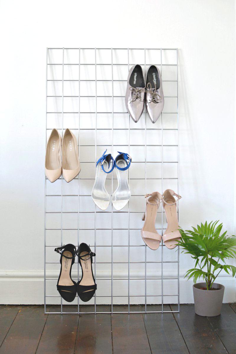 Решетка с крючками для хранения обуви