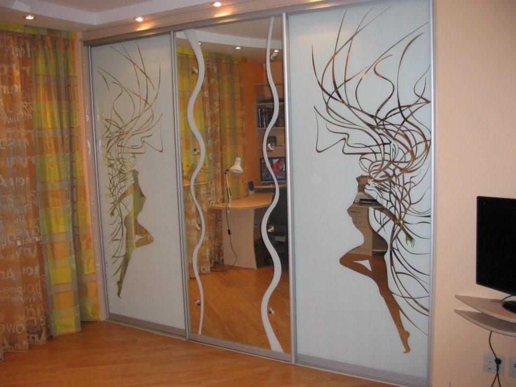 шкаф в стиле поп-арт