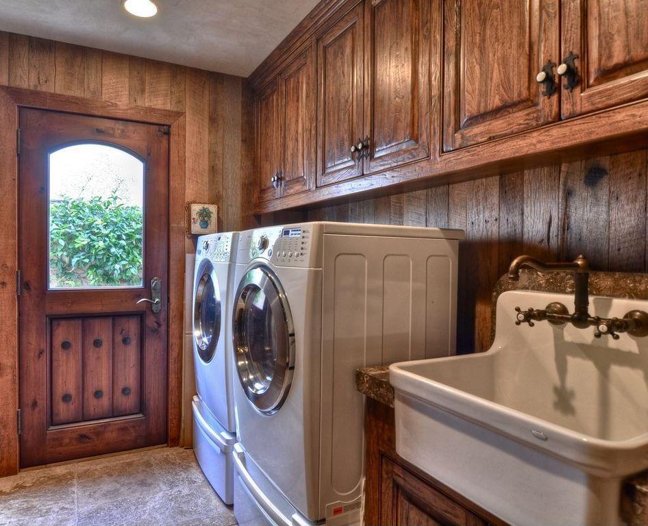 стиральная машина в деревянном доме