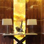 желтая люстра в дизайне дома