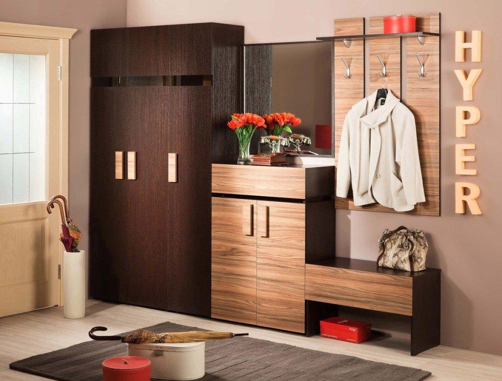 красивая прихожая с модульной мебелью