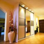 подсветка мебели в прихожей