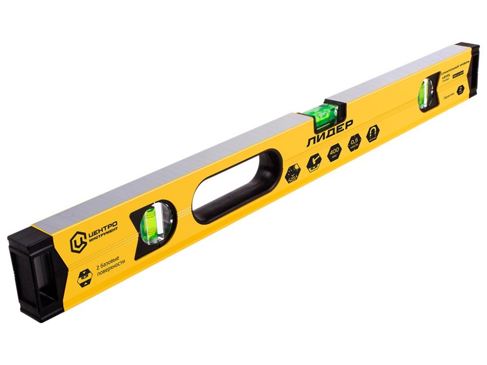 желтый строительный уровень для ремонта