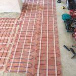 монтаж теплого пола в слой плиточного клея